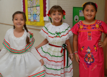 2nd grade students in Mexican attire