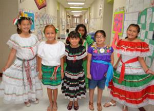 Fourth graders in Mexican attire