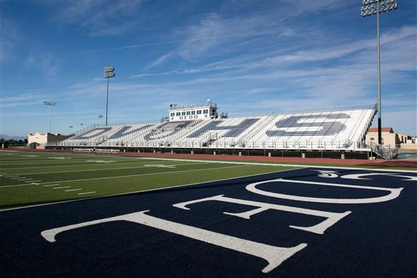 Campus / Del Valle High School